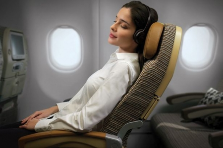 6 TIPS TO GETTING A GOOD NIGHT'S SLEEP ON A LONG HAUL FLIGHT